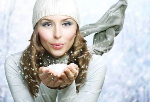 Woman winter hands